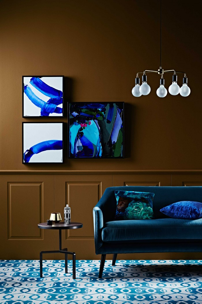 choosing interior paint colors with neutral living room